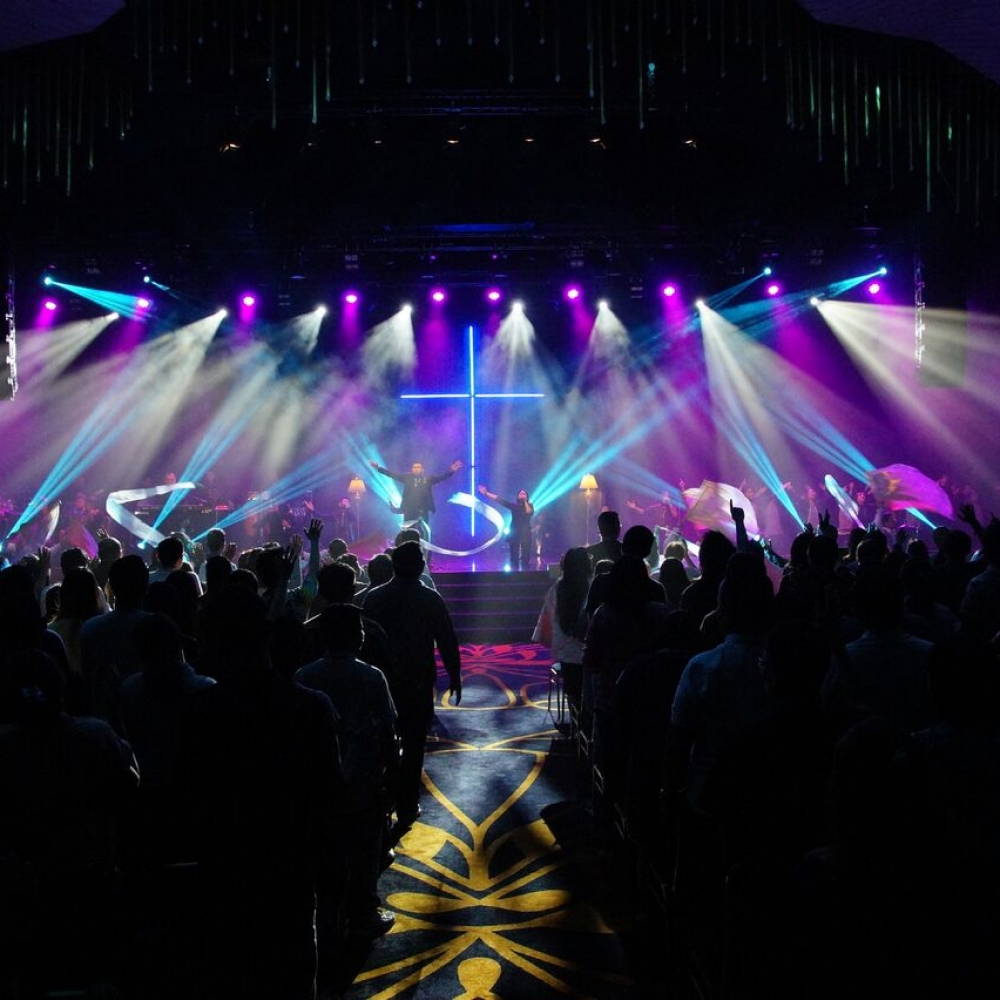 asiis-creates-camera-friendly-church-lighting-with-chauvet-professional